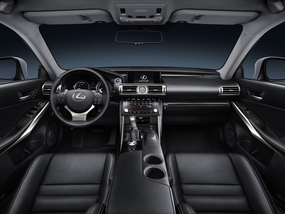 Lexus IS 2014 фото интерьера…