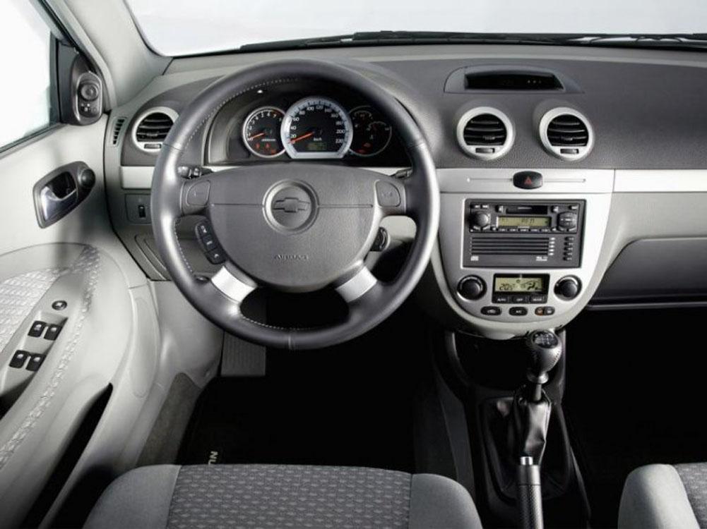 Салон Chevrolet Lacetti Wagon.