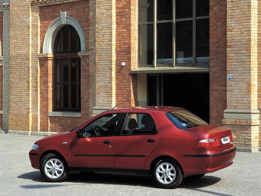 FIAT Albea I поколение рестайлин…